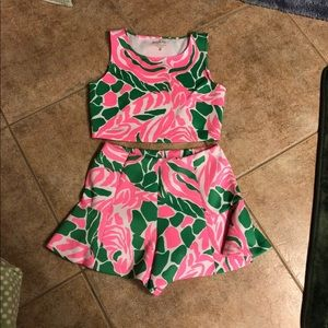 Iilly pulitzer crop top and short set Large
